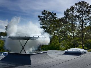 Finestra per tetti piani Velux per evacuazione fumo e calore